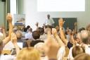 """(<a class=""""download"""" href=""""https://www.ugb.uni-bonn.de/de/veranstaltungen/vergangene-veranstaltungen/bilder-mitgliederversammlung-der-ugb-2018/Jahreshauptversammlung_18_BF_036.jpg/at_download/image"""">Download</a>)"""